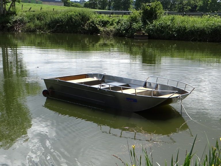 Barco de controlo da poluição (1)