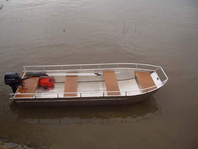 Barco de alumínio para pesca (3)