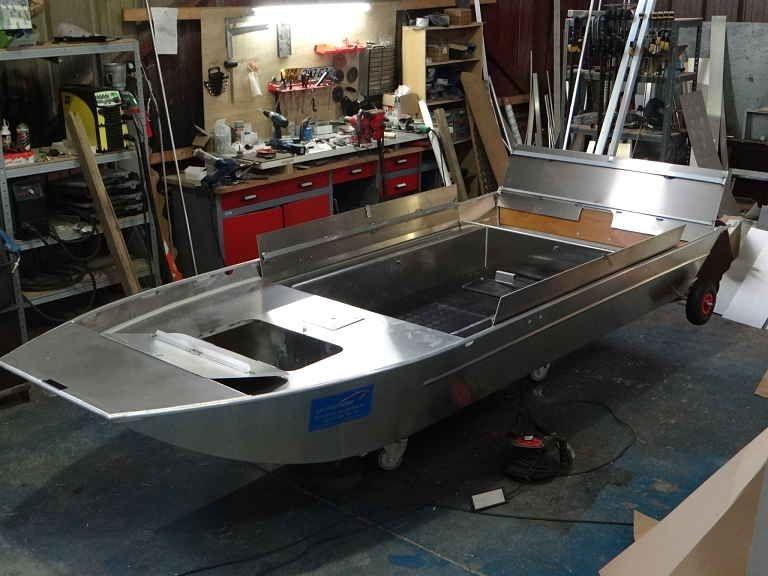 Barco de pesca em alumínio (1)