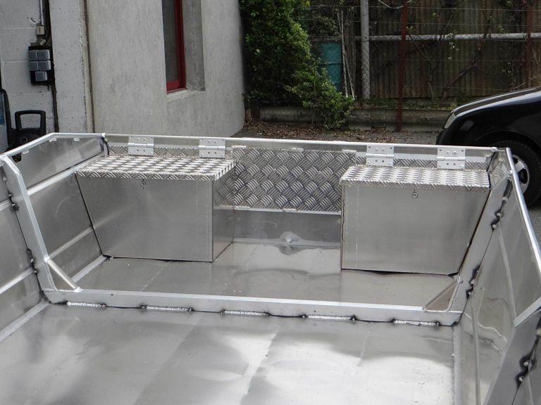 Barco de pesca em alumínio (17)