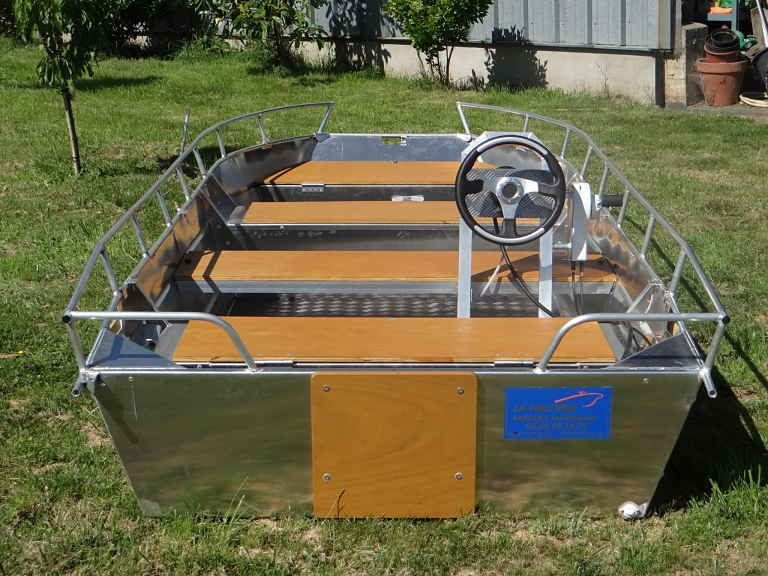 Barco de pesca em alumínio (12)