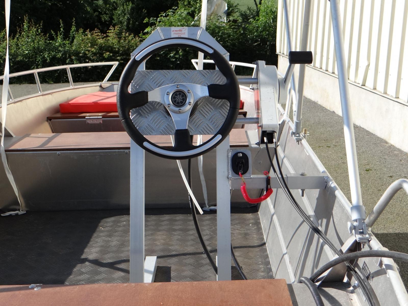 Barco de pesca em alumínio (6)