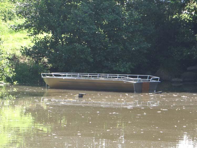 Barco de alumínio para pesca (18)
