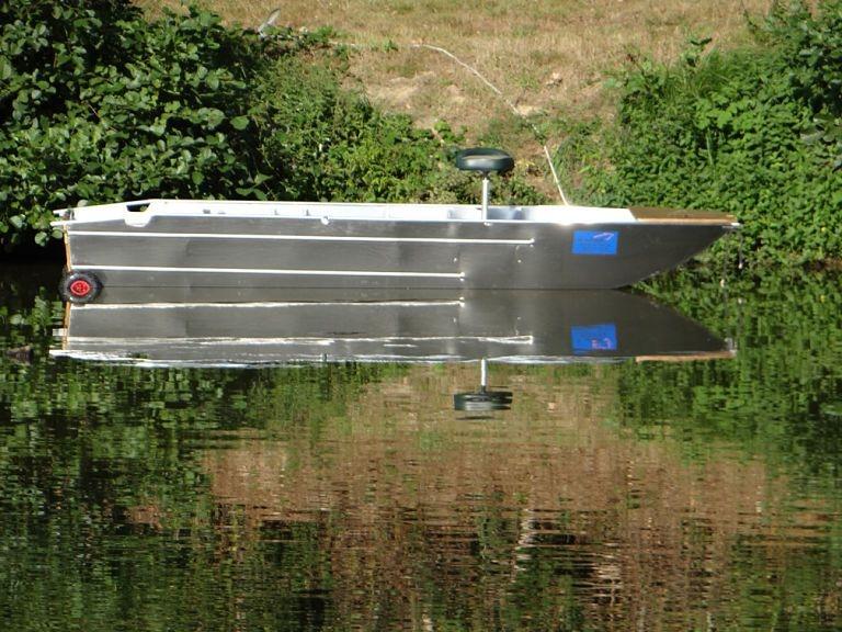 Barco de alumínio para pesca (20)