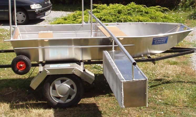 Barco de pesca em alumínio único (1)