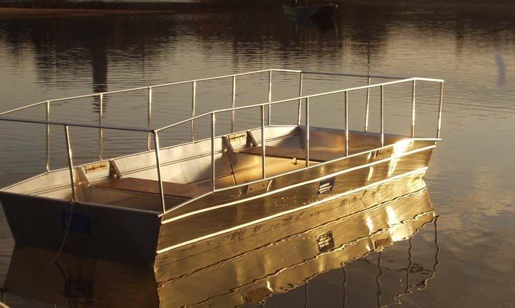 Barco de pesca em alumínio único (11)