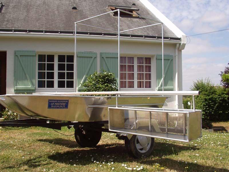 Barco de pesca em alumínio único (2)