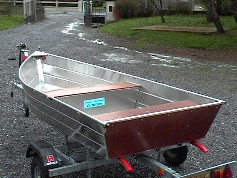 Barco de pesca em alumínio único (23)