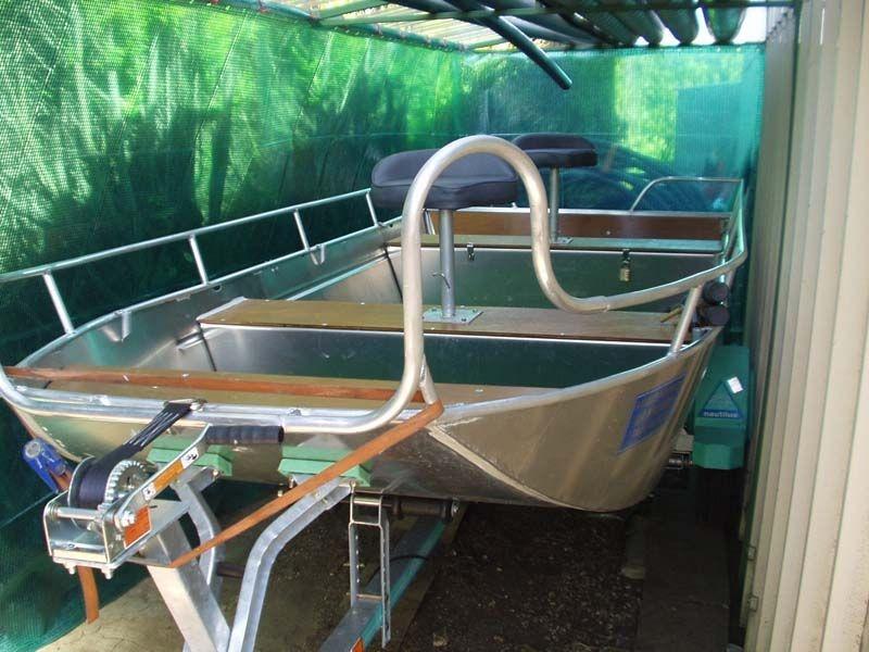 Barco de pesca em alumínio único (33)