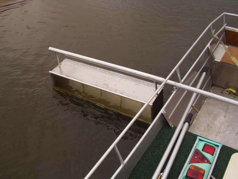 Barco de pesca em alumínio único (37)