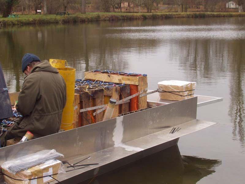 Barco de pesca em alumínio único (44)
