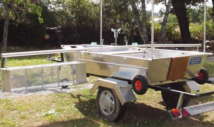 Barco de pesca em alumínio único (54)