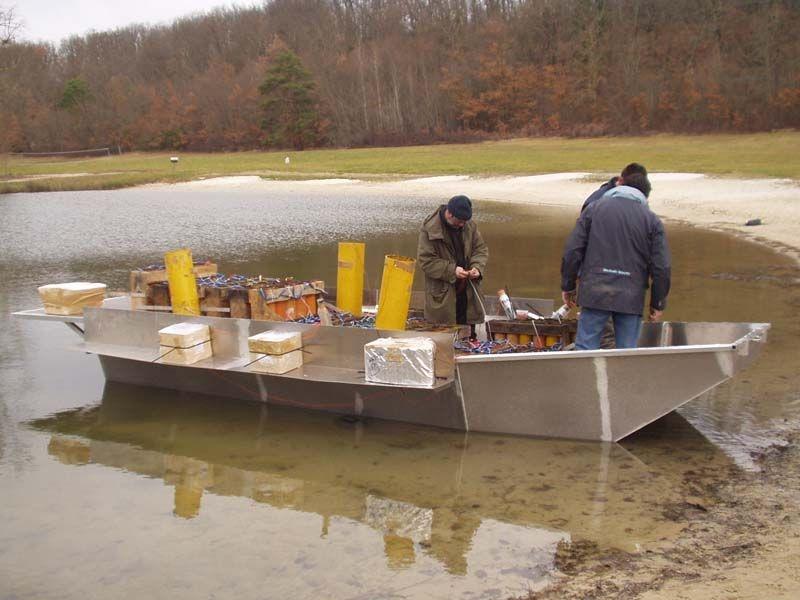 Barco de pesca em alumínio único (9)